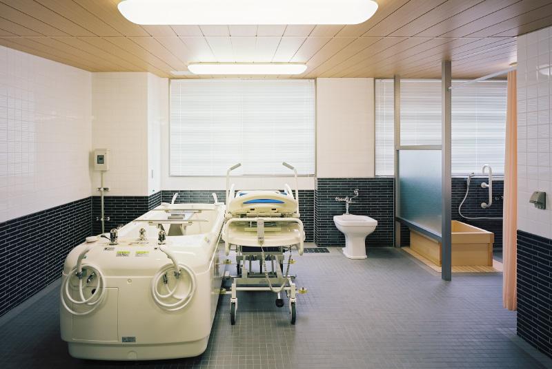 機械浴室・檜風呂